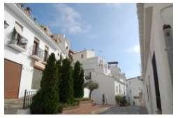 Calle Almona 11